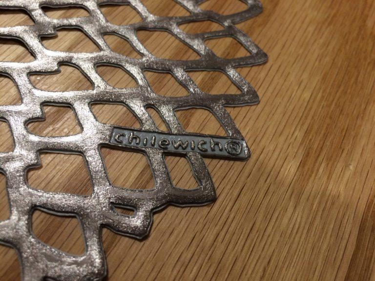 ブナのテーブルにchilewichガンメタルのランチョンマットを置いてみた♪
