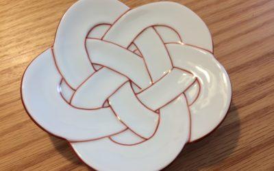 有田焼好きが選ぶ!お祝いギフトに梅むすび小皿